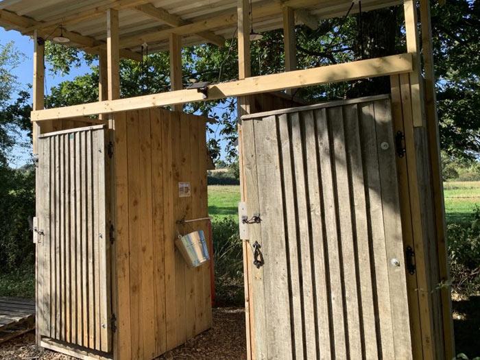 glastonbury shower and showers facilities